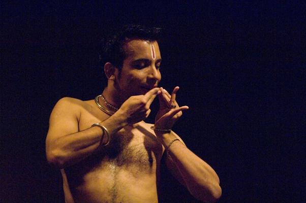 Hari Krishnan performs Bharatanatyam.